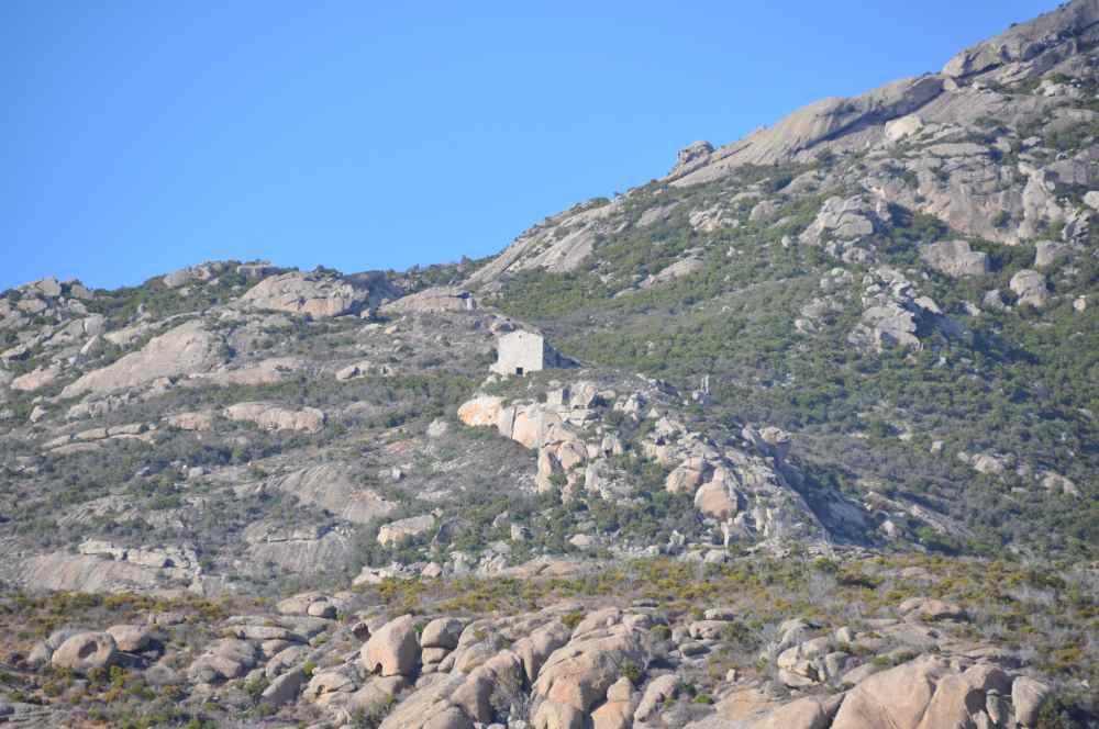 13-il-monastero-visto-dalla-costa
