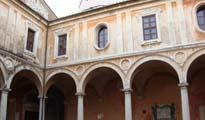 Chiostro di San Pietro
